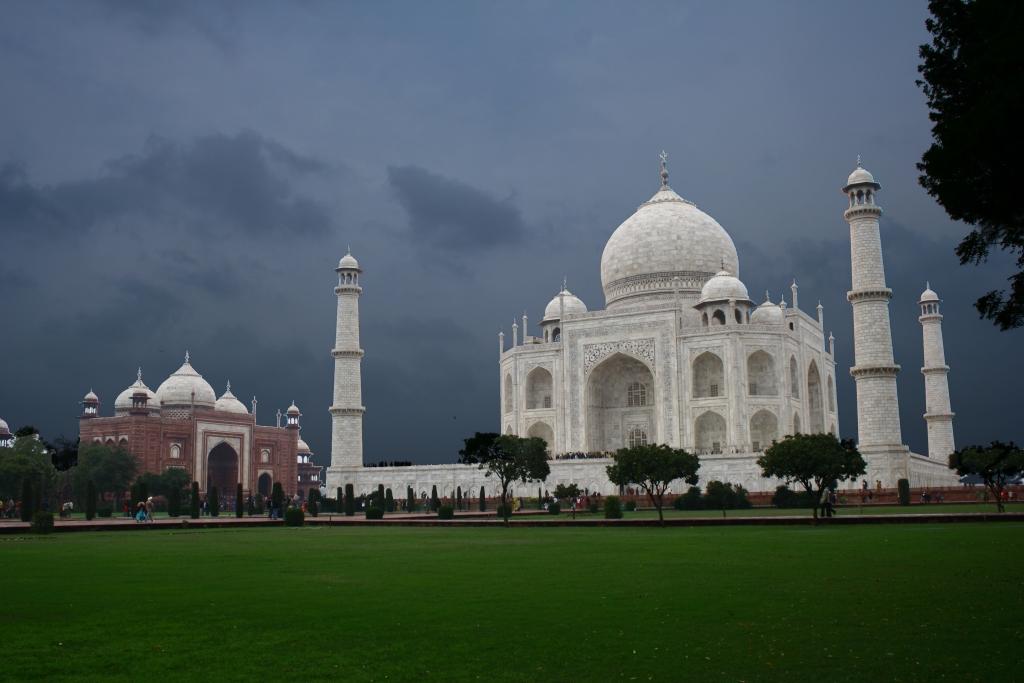 Taj_Mahal,_Agra